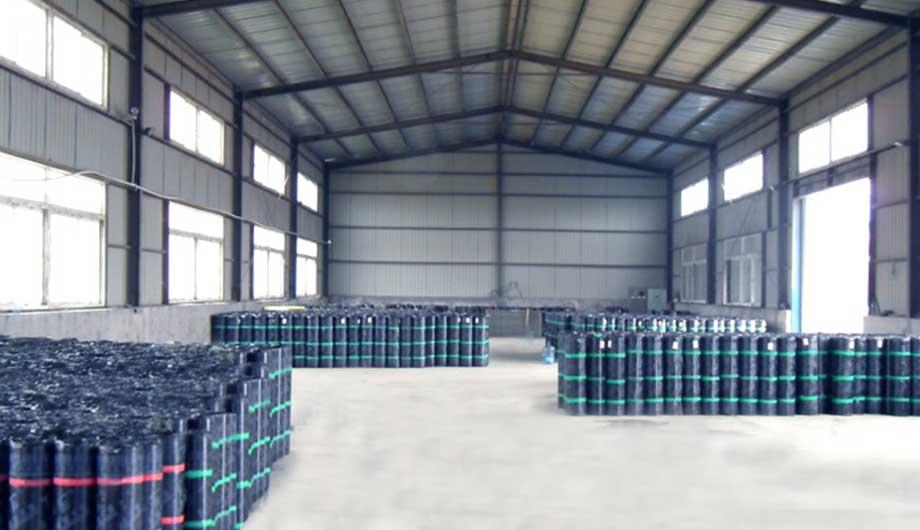 【亚洲防水涂料厂家】防水材料施工时如何解决遇到的难题呢?